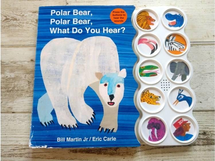 英語仕掛け絵本「Polar Bear, Polar Bear, What Do You Hear?」表紙