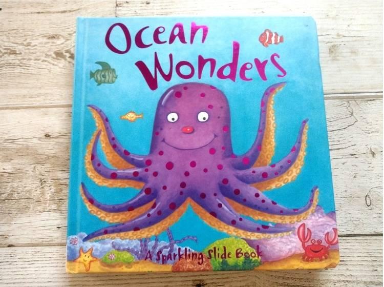 英語仕掛け絵本「Ocean Wonders」表紙